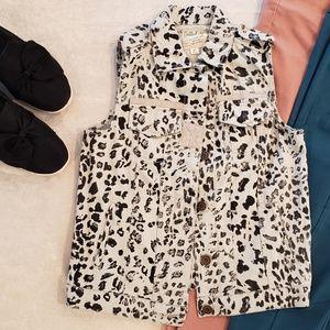 XS Dolled Up Animal Print Vest
